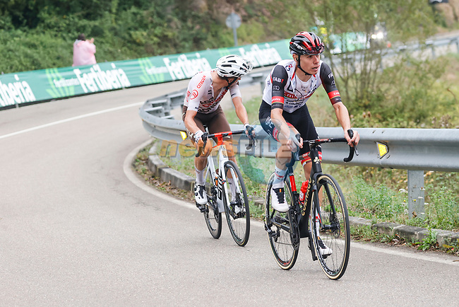 David de la Cruz (ESP) UAE Team Emirates and Geoffrey Bouchard (FRA) AG2R Citroën Team attack on the final climb during Stage 18 of La Vuelta d'Espana 2021, running 162.6km from Salas to Alto del Gamoniteiru, Spain. 2nd September 2021.    <br /> Picture: Luis Angel Gomez/Photogomezsport | Cyclefile<br /> <br /> All photos usage must carry mandatory copyright credit (© Cyclefile | Luis Angel Gomez/Photogomezsport)