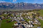 Drohnenaufnahme: Liechtenstein.<br /> Along, Eschnerstrasse, Entlang der Eschnerstrasse, Gamprin-Bendern.<br /> Foto: ©Paul J. Trummer