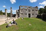 Great Britain, England, Devon, near Totnes: Berry Pomeroy Castle ruins, showing the interior Tudor House | Grossbritannien, England, Devon, bei Totnes: Berry Pomeroy Schlossruinen, Innenbereich des Tudor House