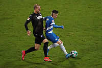 Marvin Mehlem (SV Darmstadt 98) gegen Philipp Hofmann (Karlsruher SC)<br /> <br /> - 26.02.2021 Fussball 2. Bundesliga, Saison 20/21, Spieltag 23, SV Darmstadt 98 - Karlsruher SC, Stadion am Boellenfalltor, emonline, emspor, <br /> <br /> Foto: Marc Schueler/Sportpics.de<br /> Nur für journalistische Zwecke. Only for editorial use. (DFL/DFB REGULATIONS PROHIBIT ANY USE OF PHOTOGRAPHS as IMAGE SEQUENCES and/or QUASI-VIDEO)