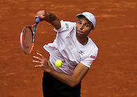 Paris, France, 22 June, 2016, Tennis, Roland Garros, Ivo Karlovic ((CRO) in his match against Andy Murray (GRB)<br /> Photo: Henk Koster/tennisimages.com