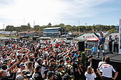 #51: Romain Grosjean, Dale Coyne Racing with RWR Honda, fans, podium