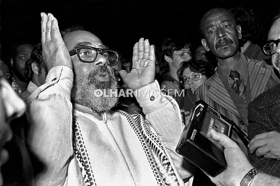 Abdias do Nascimento em protesto do Movimento Negro. SP. Foto de Juca Martins.