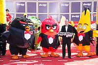 john cohen en photocall pour celebrer avec le film angry birds l ouverture du festival du film a cannes le mardi 10 mai 2016