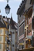 Europe/Suisse/Jura Suisse/ Neuchâtel:  Rue  des moulins