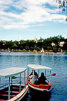 Philippines: Baguio--Burnham Park Lagoon. Photo '82.