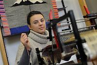 Istituto Statale d'Arte e Liceo Artistico Roma 2.Esercitazione didattica degli studenti della sezione di tessitura..State Institute of Art and Art School Roma. Tutorial teaching of students in the section of weaving..