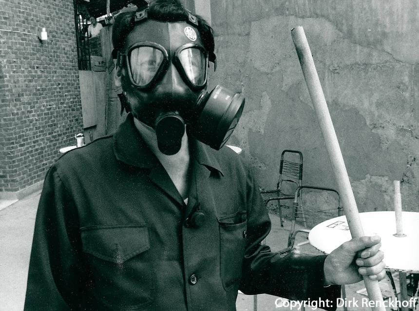 Reinigung nach Tränengaseinsatz gegen Studenten, Seoul, Korea 1986