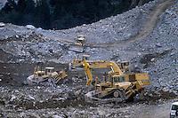 - works for the guided emptying of lake formed in Val Pola after the landslide of Coppetto Peak (april 1987) ..- lavori per lo svuotamento guidato del lago formatosi in Val Pola dopo la frana di Pizzo Coppetto (luglio 1987)