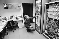 - British Army of the Rhine, Brigade and battle Group Trainer, installation for simulated  management of battlefield, computer room  (September 1986)..- Armata Inglese del Reno, installazione per la gestione simulata del campo di battaglia, sala dei computer (settembre 1986)