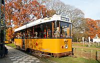 Nederland Arnhem 2015.  Het Nederlands Openluchtmuseum. Tram bij de tramhalte. Foto Berlinda van Dam / Nederlandse Hoogte