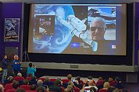 Séance du film « Thomas Pequet, envoyé spatial »<br /> Entretien par Skype de Marie-Hélène Saller et Jean-Jacques Favier avec Jean-Loup Chrétien à Houston