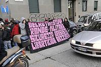 - Milan, contestation of extreme left-wing young people organizations to a demonstration of racist and xenophobic party Lega Nord  against a Rom nomads camp<br /> <br /> - Milano,  contestazione di giovani di estrema sinistra dei Centri Sociali ad una manifestazione del partito xenofobo e razzista Lega Nord contro contro un accampamento di nomadi Rom
