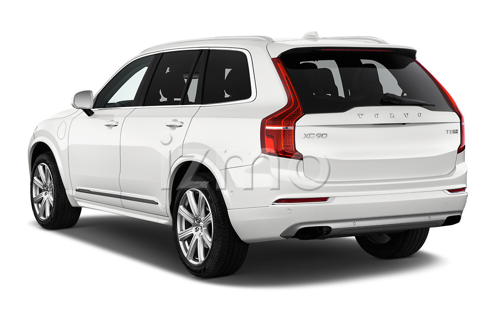 Car pictures of rear three quarter view of a 2018 Volvo XC90 T8 Twin Engine Plug-in Inscription 5 Door SUV angular rear