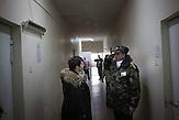 Eine Ärztin besucht die Krankenstation im<br />Gefängnis von Chisinau. Svetlana Doltu,<br />Leiterin der medizinischen Versorgung des Krankenhaus.<br />Paradoxerweise wurden in den Gefängnissen, wo traditionell hohe<br />Infektionsraten die Regel waren, bessere Resultate erzielt als im<br />Rest des Landes, in dem die Raten wieder steigen… // Moldova is still the poorest country of Europe. Hopes to join the European Union are high. After progress in the past years tuberculosis is on the rise again. The number of new patients raise since 2010 and is on a level that has not been reached since the late 90s.