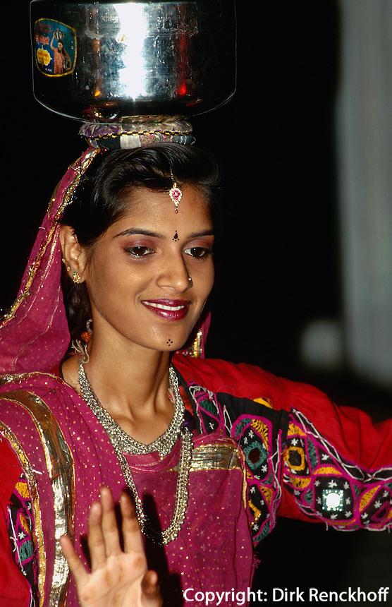 Indien, Udaipur (Rajasthan), Tanz aus Rajasthan