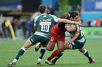 Brad Barritt of Saracens is sandwiched between Owen Williams and Ed Slater of Leicester Tigers during the Aviva Premiership semi final match between Saracens and Leicester Tigers at Allianz Park on Saturday 21st May 2016 (Photo: Rob Munro/Stewart Communications)