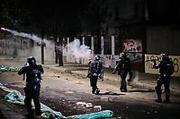 BOGOTA - COLOMBIA, 10-09-2020: Miembros antidisturbios de la Policía enfrentan a los manifestantes durante el segundo día de protestas causadas por el asesinato del abogado Javier Ordoñez, abogado de 46 años, a manos de efectivos de la Policía de Bogotá el pasado miércoles 09 de septiembre de 2020 en el barrio Villa Luz al noroccidente de Bogotá (Colombia). En lo que va corrido del 2020 la alcaldía de Bogotá ha recibido 137 denuncias  de abuso policial de las cuales la Policía acusa recibido de 38.  / Riot police members confront protesters during the second day of protests caused by the murder of lawyer Javier Ordoñez, a 46-year-old lawyer, at the hands of members of the Bogotá Police on Wednesday, September 9, 2020 in Villa Luz neighborhood in the northwest of Bogotá (Colombia). So far in 2020 the Bogotá mayor's office has received 137 complaints of police abuse of which the Police accuse they have received 38. Photo: VizzorImage / Alejandro Avendaño / Cont