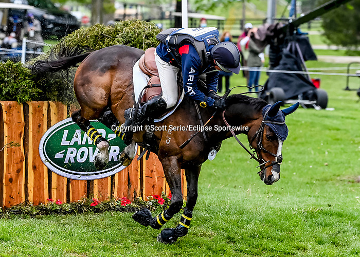 April 24, 2021: Michael Pendleton competes in the Cross Country phase of the Land Rover 5* 3-Day Event aboard Steady Eddie at the Kentucky Horse Park in Lexington, Kentucky. Scott Serio/Eclipse Sportswire/CSM