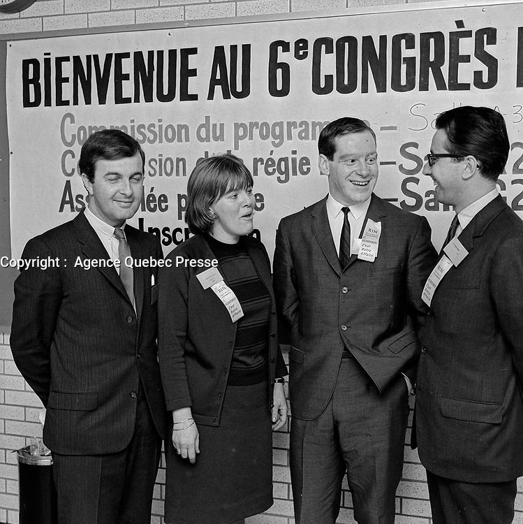 ARCHIVE -<br /> <br /> <br /> 6ieme Congres du R.I.N. - Pierre Bourgault<br /> Date : Entre le 24 et le 30 octobre 1966<br /> <br /> <br /> PHOTO :  Agence Quebec Presse, Fonds Photo Moderne