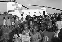 - Mozambique 1993, UN intervention after the Civil War, Italian army helicopter lands near the village of Dondo, Sofala province  <br /> <br /> - Mozambico 1993, intervento ONU dopo la guerra civile, elicottero dell'esercito italiano atterra presso il villaggio di Dondo, provincia di Sofala