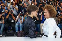 Jacqueline Bisset et Marine Vacth, photocall pour le film L AMANT DOUBLE en competition lors du soixante-dixième (70ème) Festival du Film à Cannes, Palais des Festivals et des Congres, Cannes, Sud de la France, vendredi 26 mai 2017. Philippe FARJON / VISUAL Press Agency