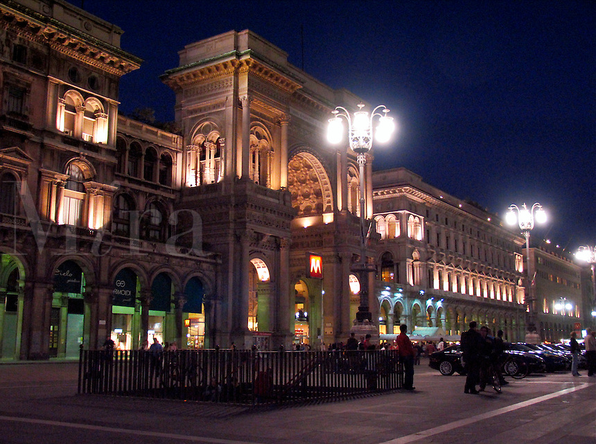 Piazza Duomo and the Galleria Vittorio Emanuele, il Salotto di Milano, Milan, Ital
