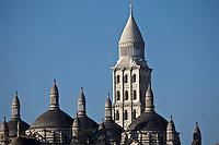 Europe/France/Aquitaine/24/Dordogne/Périgueux: La cathédrale Saint-Front, et ses coupoles - étape sur le chemin de Compostelle, site classé Patrimoine Mondial de l'UNESCO