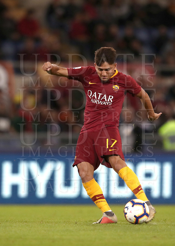 Football, Serie A: AS Roma - Frosinone, Olympic stadium, Rome, 26 September 2018. <br /> Roma's Cengiz Under scores during the Italian Serie A football match between AS Roma and Frosinone at Olympic stadium in Rome, on September 26, 2018.<br /> UPDATE IMAGES PRESS/Isabella Bonotto