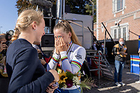 Zoe Backstedt (GBR) is congratulated and hugged by her elder sister Elynor Bäckstedt»Trek-Segafredo at the podium post race <br /> <br /> Women Junior – Road Race (WC)<br /> Race from Leuven to Leuven (75km)<br /> <br /> UCI Road World Championships – Flanders Belgium 2021<br /> <br /> ©kramon