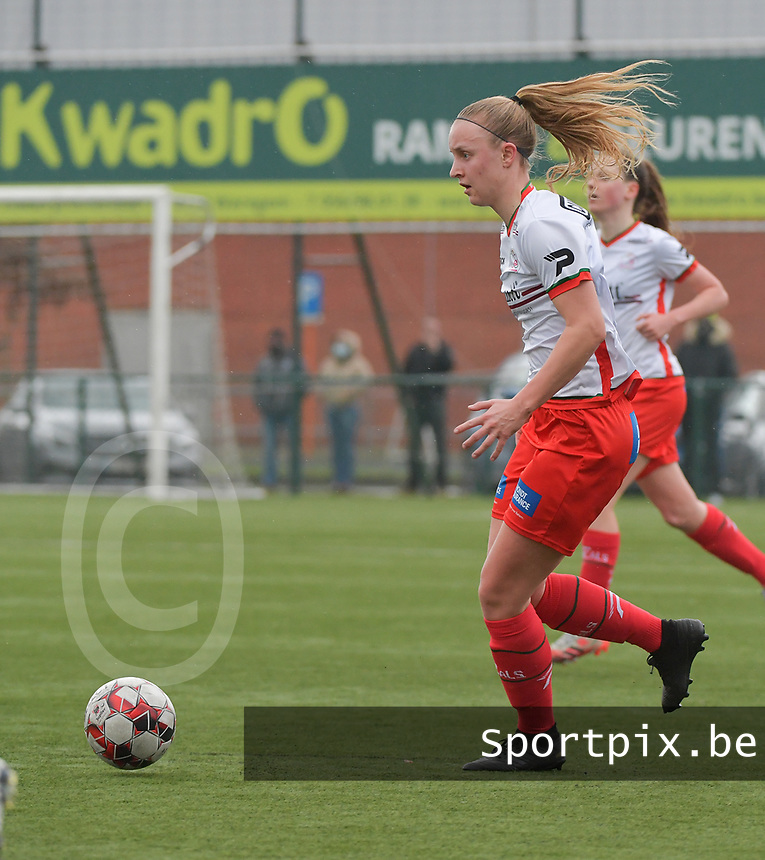 Lotte De Wilde (19) of Zulte-Waregem pictured during a female soccer game between SV Zulte - Waregem and Club Brugge YLA on the 13 th matchday of the 2020 - 2021 season of Belgian Scooore Womens Super League , saturday 6 th of February 2021  in Zulte , Belgium . PHOTO SPORTPIX.BE   SPP   DIRK VUYLSTEKE