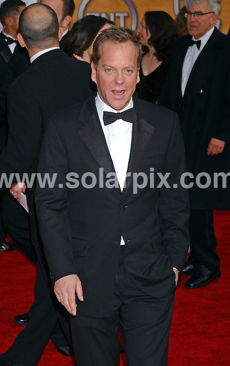 **ALL ROUND PICTURES FROM SOLARPIX.COM**.**WORLDWIDE SYNDICATION RIGHTS EXCLUDING - FRANCE** .Kiefer Sutherland arrives at the 13th annual SAG Awards at the Shrine Auditorium in Hollywood on 28.01.07.  ...DATE: 28.01.07-JOB REF: 3287-GLS.**MUST CREDIT SOLARPIX.COM OR DOUBLE FEE WILL BE CHARGED**