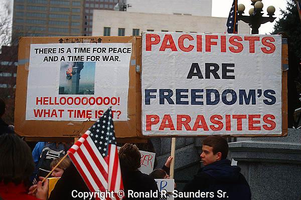 PRO-WAR ACTIVISTS AT IRAQ WAR RALLY