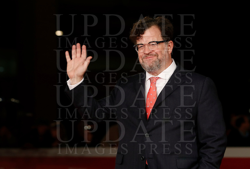 "Il regista statunitense Kenneth Lonergan posa sul red carpet per la presentazione del suo film ""Manchester by the sea"" al Festival Internazionale del Film di Roma, 14 ottobre 2016.<br /> U.S. director Kenneth Lonergan poses on the red carpet to present his movie ""Manchester by the sea"" during the international Rome Film Festival at Rome's Auditorium, 14 october 2016 .<br /> UPDATE IMAGES PRESS/Isabella Bonotto"