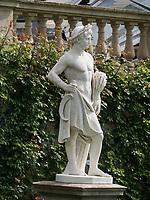 Statue, Bodensee - Insel Mainau, Baden-Württemberg, Deutschland, Europa<br /> Statue, Isle of Mainau, Lake Constance,Baden-Württemberg, Germany, Europe