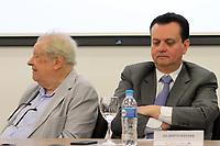 CAMPINAS, SP 26.06.2018-MINISTRO KASSAB-Diretor-geral do CNPEM, Rogério Cezar Cerqueira Leite e Gilberto Kassab. O ministro da Ciência, Tecnologia, Inovações e Comunicações, Gilberto Kassab, participou nesta terça-feira (26) da cerimônia de inauguração do novo prédio do Laboratório Nacional de Nanotecnologia (LNNano), em Campinas (SP). <br /> O espaço vai abrigar três microscópios eletrônicos de criomicroscopia de última geração, equipamentos de litografia de íons e elétrons e uma sala limpa para nonofabricação de dispositivos. Toda a infraestrutura será aberta à comunidade científica.<br /> A obra foi realizada com recursos oriundos do contrato de gestão firmado entre o MCTIC e o Centro Nacional de Pesquisa em Energia e Materiais (CNPEM), ao custo total de R$ 3,5 milhões. (Foto: Denny Cesare/Codigo19)