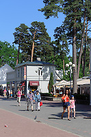 Einkaufstraße Jomas Iela in Jurmala-Majori, Lettland, Europa