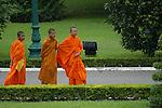 phnom penh, buddhist monks, monaci buddisti