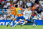 Mateo Kovacic (r) of Real Madrid fights for the ball with Daniel Parejo Munoz of Valencia CF during their La Liga 2017-18 match between Real Madrid and Valencia CF at the Estadio Santiago Bernabeu on 27 August 2017 in Madrid, Spain. Photo by Diego Gonzalez / Power Sport Images