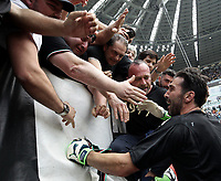 Calcio, Serie A: Juventus - Hellas Verona, Torino, Allianz Stadium, 19 maggio, 2018.<br /> Juventus' Captain and goalkeeper Gianluigi Buffon greets fans before the match.<br /> Juventus won their 34th Serie A title (scudetto) and seventh in succession.<br /> Gianluigi Buffon played his last match with Juventus today after 17 years.<br /> UPDATE IMAGES PRESS/Isabella Bonotto