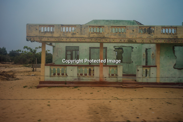 Abandoned houses at sea side village where the final battle between the LTTE and the Sri Lankan army took place in Vellamullivaikal in Kilinochchi in Northern Sri Lanka. Photo: Sanjit Das/Panos