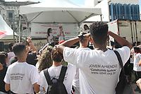 """CAMPINAS, SP, 24.04.2019: EMPREGO-SP - Campinas, no interior de São Paulo recebe, na manhã desta quarta-feira (24), o programa """"Campinas pela Aprendizagem"""", evento que visa orientar adolescentes a respeito do programa Jovem Aprendiz. Ao todo, 12 entidades do município se concentram no Largo do Rosário e realizam serviços gratuitos. (Foto: Luciano Claudino/Código19)"""