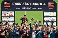 Rio de Janeiro (RJ), 15/07/2020 - Flamengo-Fluminense - Jogadores comemoram titulo Partida entre Flamengo e Fluminense, válida pela final do Campeonato Carioca 2020, no Estádio Jornalista Mário Filho (Maracanã), na zona norte do Rio de Janeiro, nesta quarta-feira (15).