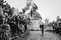 Ryan Gibbons (ZAF/Dimension Data) up the infamous Kapelmuur/Muur van Geraardsbergen<br /> <br /> 102nd Ronde van Vlaanderen 2018 (1.UWT)<br /> Antwerpen - Oudenaarde (BEL): 265km
