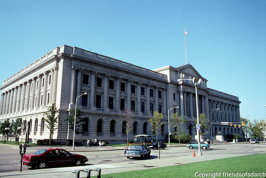 Cleveland: Cuyahoga County Court House, 1905-1912. Second building completed in accordance with Group Plan of 1903. Photo '01.