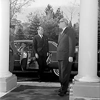 Andre Malraux ministre culturel de France en visite a Quebec<br /> , le  11 octobre 1963.<br /> <br /> Photographe : Photo Moderne<br /> - Agence Quebec Presse