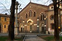 - esterno della  basilica di S.Eustorgio....- outside of S.Eustorgio basilica