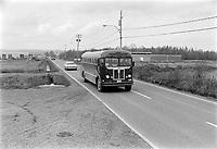 """Operation """"Cross - Laporte"""". Militaire  en route vers le Parlement de Quebec durant la crise d'octobre.<br /> <br /> Date :15 octobre 1970<br /> <br /> Photographe : Photo Moderne<br /> - Agence Quebec Presse"""