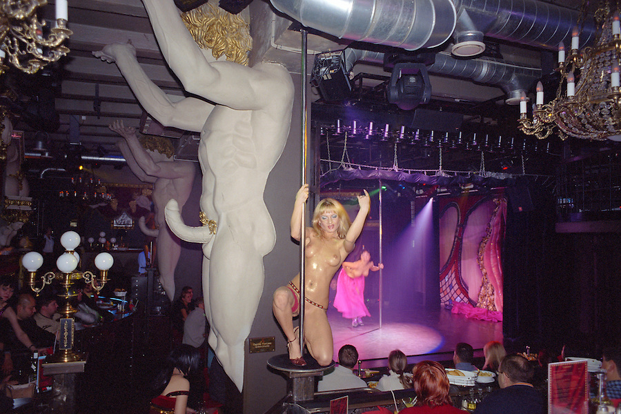 Saint Petersburg, Russia, November 2002..The decor at Hali Gali, Russia's most outrageous night-club, consciously parodies the city's famous architecture..