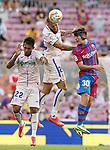 FC Barcelona's Gavi (r) and Getafe CF's Damian Suarez (l) and David Timor during La Liga match. August 29, 2021. (ALTERPHOTOS/Acero)
